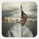Estados Unidos señalan por medio de una bandera y Colcomanias Cuadradases