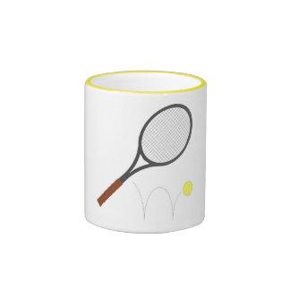 Estafa y bola de tenis tazas de café