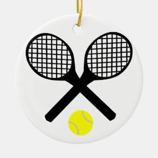 Estafas de tenis y pelota de tenis adorno navideño redondo de cerámica