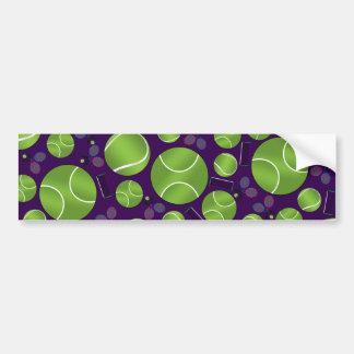 Estafas y redes púrpuras de las pelotas de tenis etiqueta de parachoque