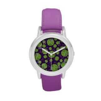 Estafas y redes púrpuras de las pelotas de tenis relojes de pulsera