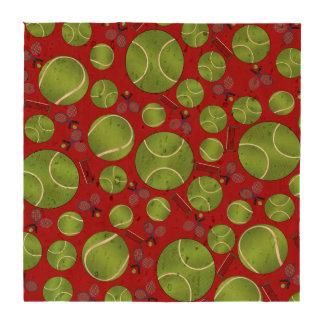 Estafas y redes rojas de las pelotas de tenis posavasos
