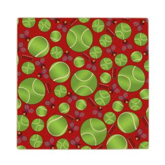 Estafas y redes rojas de las pelotas de tenis