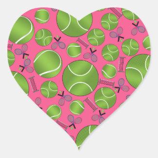 Estafas y redes rosadas de las pelotas de tenis pegatina en forma de corazón