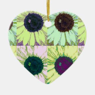 Estallido de la abeja del girasol adorno de cerámica en forma de corazón
