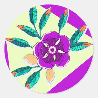Estallido de la flor en violeta pegatina redonda