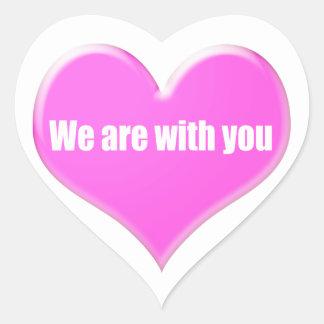 Estamos con usted pegatina en forma de corazón