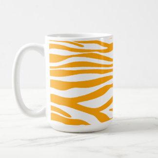 Estampado de animales anaranjado ambarino de la taza clásica