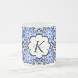 Estampado de flores abstracto marroquí romántico taza de café esmerilada