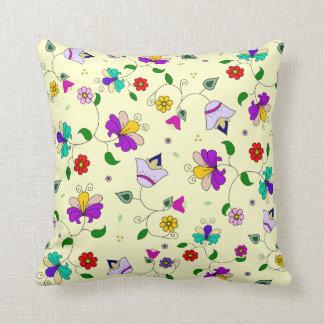 estampado de flores Armenio-inspirado - crema Almohadas