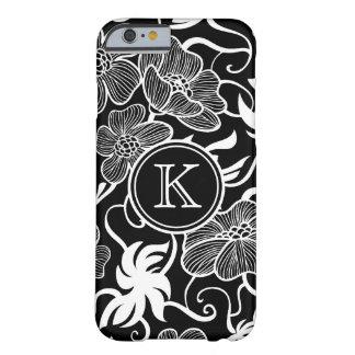 Estampado de flores blanco y negro con el funda de iPhone 6 barely there