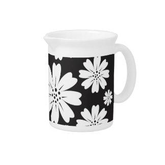 Estampado de flores blanco y negro moderno de jarra para bebida