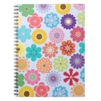 Estampado de flores colorido del flower power feme cuaderno