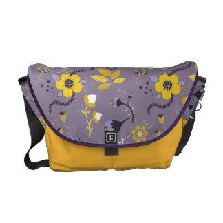 Estampado de flores de la lila, púrpura y amarillo bolsas messenger