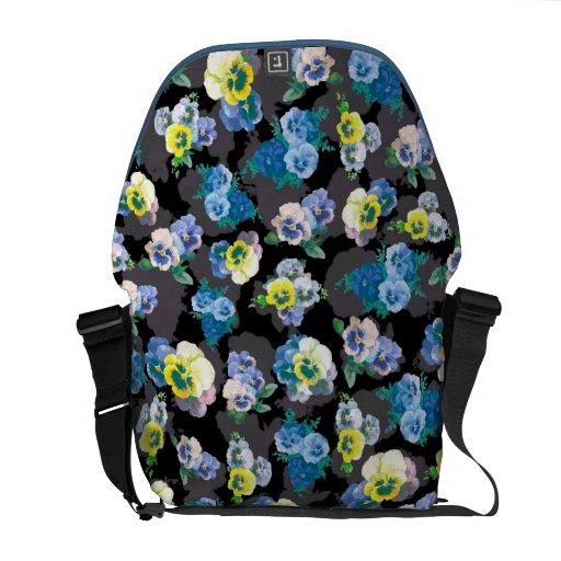 Estampado de flores elegante de los pensamientos o bolsas de mensajeria