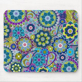Estampado de flores enrrollado en colores de moda tapetes de raton