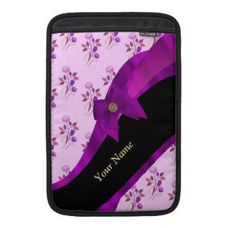Estampado de flores púrpura bonito del vintage fundas MacBook