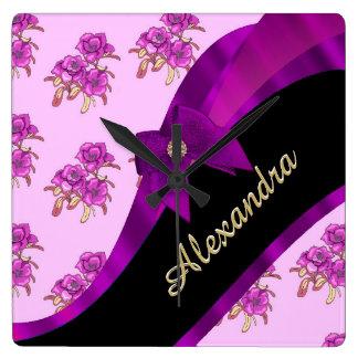 Estampado de flores púrpura de color de malva reloj cuadrado
