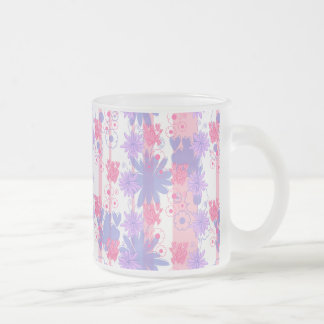 Estampado de flores púrpura rosado precioso taza cristal mate