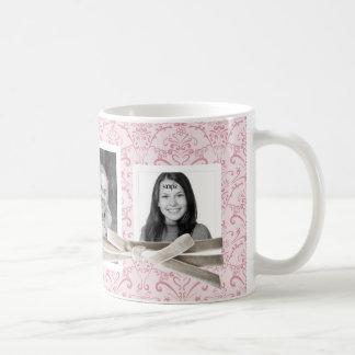 Estampado de flores rosado lindo y 3 fotos de taza de café
