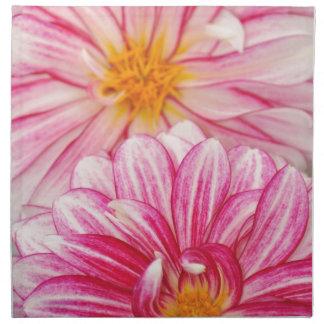 Estampado de flores rosado y blanco hermoso de la  servilleta