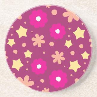 Estampado de flores rosado y púrpura sabroso posavasos para bebidas