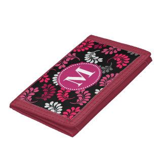 Estampado de flores y monograma grises rosados roj