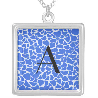 Estampado de girafa del azul del monograma collar personalizado