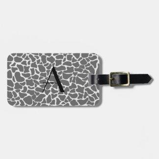 Estampado de girafa del gris del monograma etiquetas bolsa