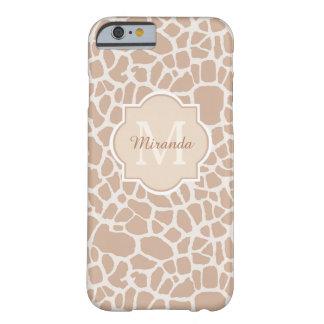 Estampado de girafa elegante del moreno con el funda de iPhone 6 barely there