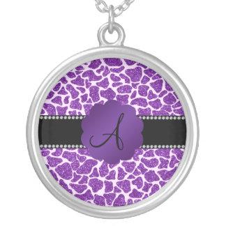 Estampado de girafa púrpura del brillo del monogra grimpolas