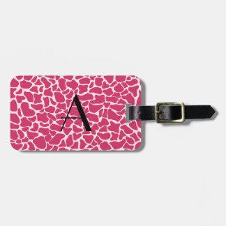Estampado de girafa rosado del monograma etiquetas de equipaje