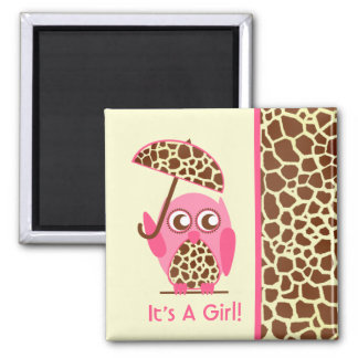 Estampado de girafa y favor rosado de la fiesta de iman de nevera