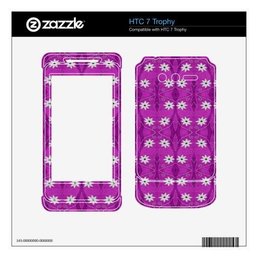 estampado de plores blanco bonito en púrpura calcomanía para HTC 7 trophy