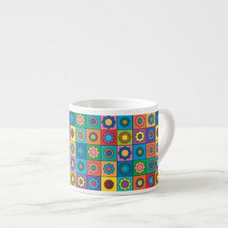 Estampado de plores del arco iris del Hippie Taza Espresso