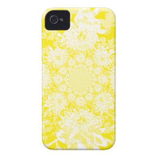 Estampado de plores floral amarillo elegante de la Case-Mate iPhone 4 cárcasas