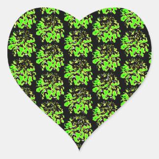 Estampado de plores floral negro verde de la dalia pegatina en forma de corazón