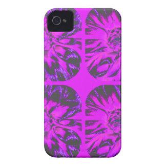 Estampado de plores púrpura de la dalia del Case-Mate iPhone 4 fundas