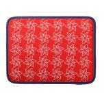 Estampado de plores rizado - blanco en rojo funda para macbook pro