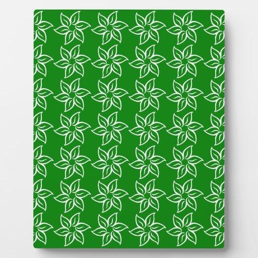Estampado de plores rizado - blanco en verde placa de madera