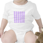 Estampado de plores rizado - violeta en blanco traje de bebé