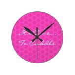 Estampado de plores rosado es hora de abrazar H101 Reloj De Pared