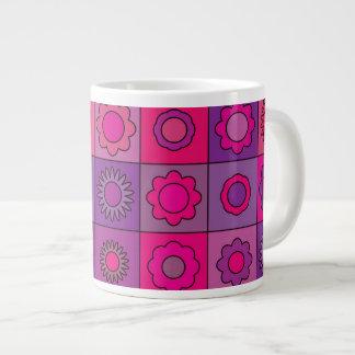 Estampado de plores rosado y púrpura taza grande