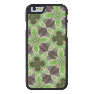 Estampado de plores verde funda de iPhone 6 carved® de arce