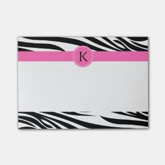 Estampado de zebra blanco y negro del monograma co post-it nota