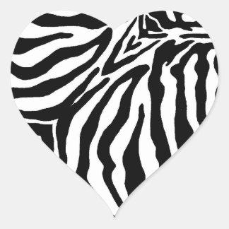 Estampado de zebra blanco y negro pegatina en forma de corazón