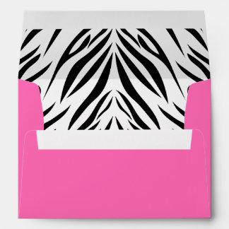 Estampado de zebra blanco y negro y de las rosas f sobres