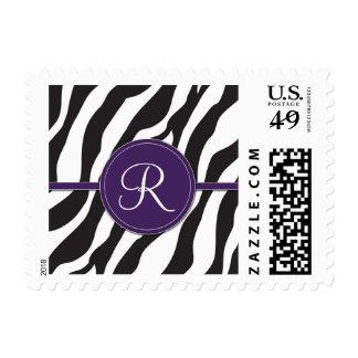 Estampado de zebra púrpura femenino del monograma estampillas