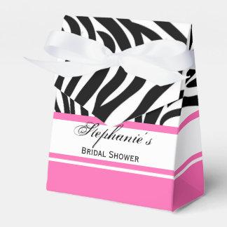 Estampado de zebra y rosas fuertes blancos y cajas para regalos