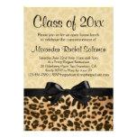 Estampado leopardo con la graduación del arco/la i invitaciones personalizada